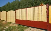 Деревянный забор сплошной
