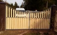 Фото распашных ворот в Красногорске.