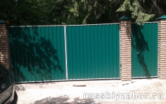 Фото распашных ворот в Обнинске.