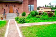 фото с зонированием сада,мощением и выделением пешеходных дорожек