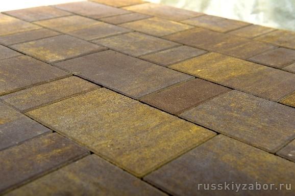 Укладка тротуарной плитки на даче своими руками | 385x578
