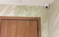 Камера видеонаблюдения внутри дома