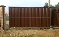 Откатные ворота для дачи с электроприводом.