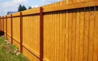 Деревянный забор сплошной вертикальный