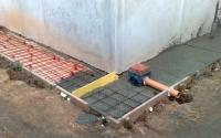 Строительство утепленной бетонной отмостки