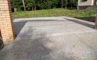 Парковочное место для машины на даче