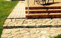 Укладка тротуарной плитки и натурального камня на площадку перед домом
