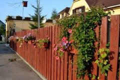 Красивый забор на даче